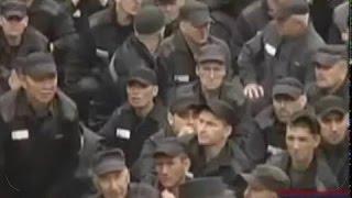 (4) Бунт в тюрьме для бывших мусоров .  Про тюрьму и зону русские.