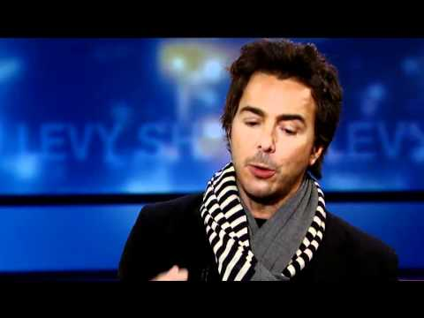 Shawn Levy on Directing Hugh Jackman, Steve Martin And Ricky Gervais