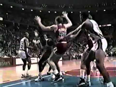 Dennis Rodman fights Will Perdue