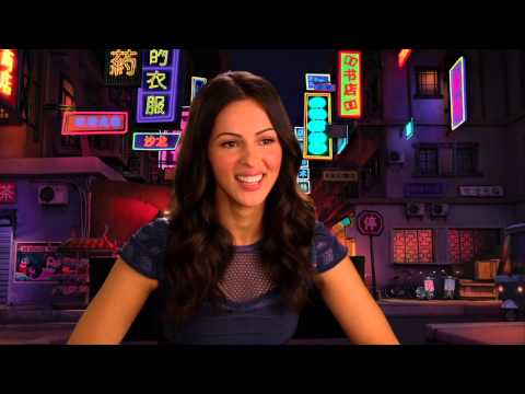 "Penguins of Madagascar: Annet Mahendru ""Eva"" Behind the Scenes Interview"