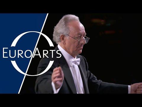 Sergei Rachmaninoff - Symphonic Dances, Op. 45 (Yuri Temirkanov, St. Petersburg Philharmonic Orch.)