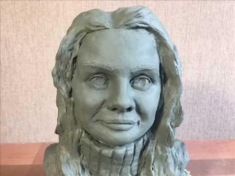 Скульптура по фотографии из глины Ника