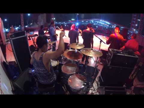 Agnezmo - Walk (Drum Cam) - Rio Alief