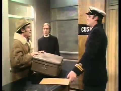 Monty Python's Flying Circus 1x05 Man's Crisis Of Identity In The Latter Half Of The Twentieth C