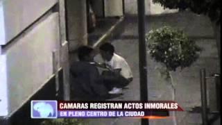 Las cámaras de vigilancia captaron a inmorales en pleno centro histórico