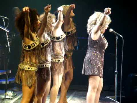 Tina Turner - Live In Manchester - Proud Mary 04.04.2009
