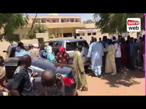 Femmes de Cheikh Bethio Thioune au tribunal de Mbour lors du procès