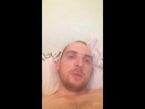 Поза раком на диване В кровате эротичные девушки