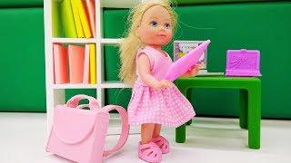 Мультик Барби. Штеффи идет в школу! Видео для девочек