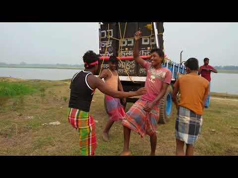 Dekhun apnara amader gamcha dance