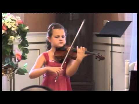 Inés Issel plays Clair de lune by C.Debussy