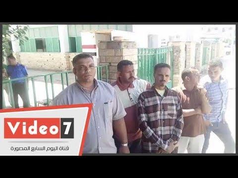 إضراب 34 عامل مؤقت بمستشفى الداخلة للمطالبة بصرف رواتب عام ونصف متأخرة  - 16:21-2017 / 9 / 18