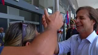 Lacalle se reencontró al ingreso a Torre Ejecutiva con su primer preparador físico, Juan Tchakidjian