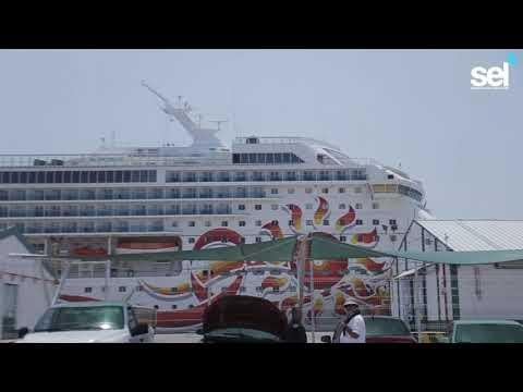 Norwegian Sun Atracó en Mazatlán para Mantenimiento