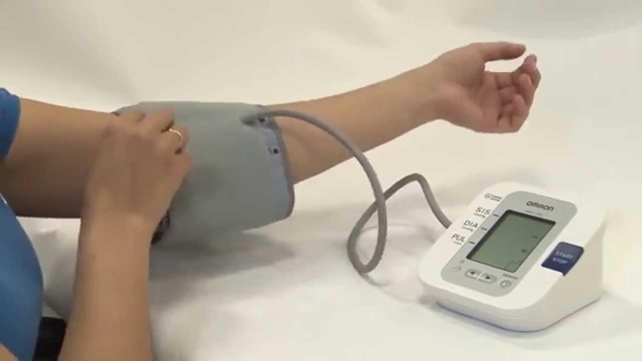 14d60137e Monitor de Pressão Arterial Omron-HEM7200 Automatico - YouTube