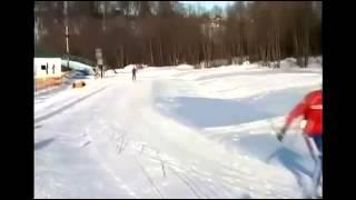 видео Способы подъемов, спусков, торможений в лыжном спорте