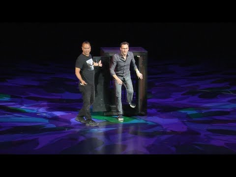 Simon Sinek talks culture with Zappos CEO Tony Hsieh