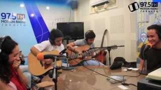 DiSoSor HIVI! - Ayo Mama (cover) live dari studio 97.5 FM Motion Radio