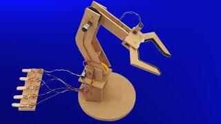 Cómo Hacer un Brazo Robótico Electrónico Casero