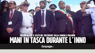 Roberto Fico con le mani in tasca durante l'inno di Mameli: critiche al presidente della Camera