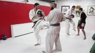 Тренировка у Алехандро Наварро в MAD MAX DOJO