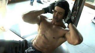 Hrithik Roshan Workout In Gym Dedication thumbnail
