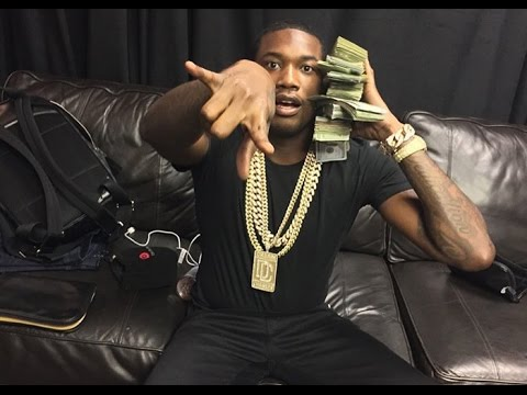 """Meek Mill Explains Why He Let Drake's """"Back To Back"""" Live"""