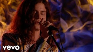 "BØRNS - BØRNS ""Emerald Pools"" On Front And Center (Live)"