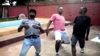 """Dançando o Bela """" Brasilia"""" / Os Detroia - Não faz isso Bela"""