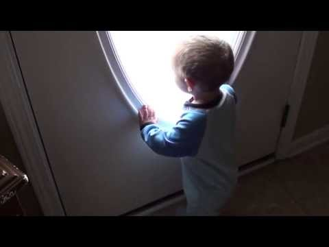 Toddler crying & upset when Grandpa leaves