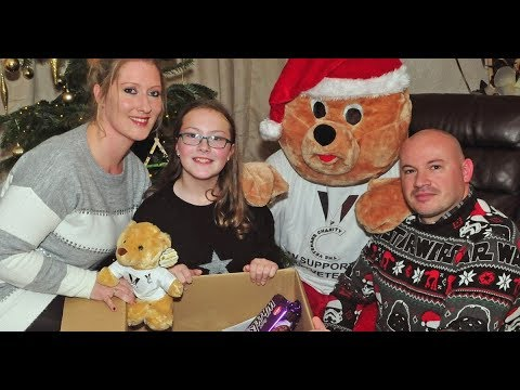 sunday-people-readers---and-lollipop-lady---give-christmas-boost-to-veteran