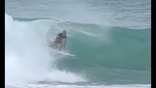 Kelly Slater Manages To Get Back On His Board Mid-wave - Daily News