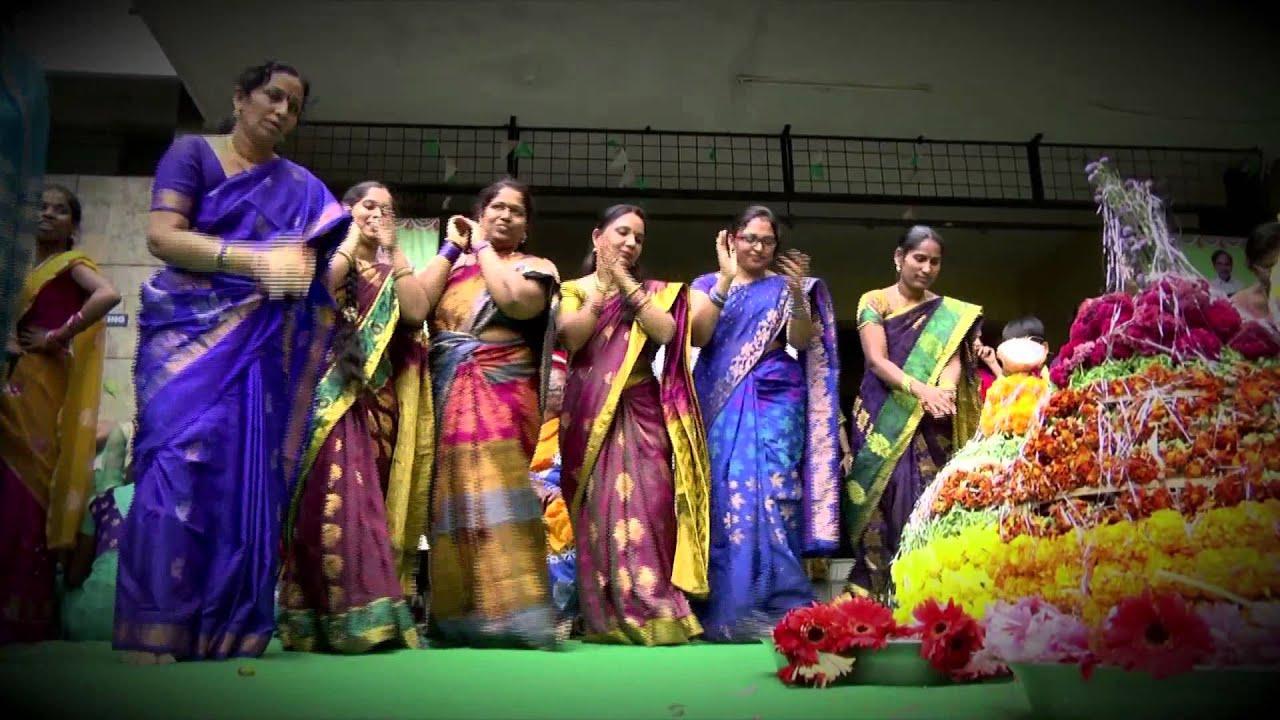 Chandamama Bathukamma song - YouTube