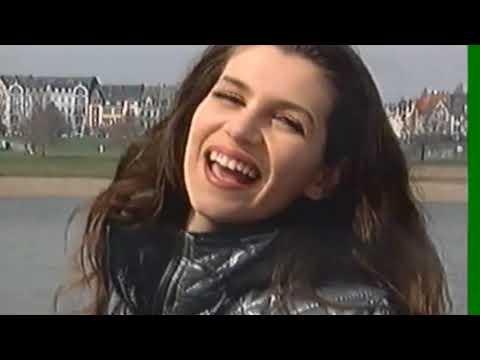 Leonora Jakupi- videoklipi i parë 1996!