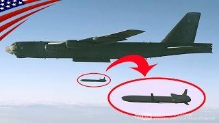 AGM-86B空中発射巡航ミサイルを発射するB-52爆撃機
