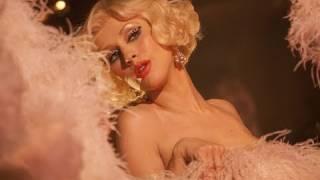 BURLESQUE: Christina Aguilera | Trailer & Interview