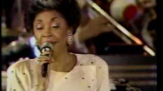 Nancy Wilson - The Folks Who Live on the Hill