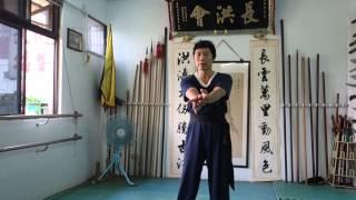 陳江山教練示範功力拳,並講解練習重點。 NTUCH臺大長洪@YouTube.