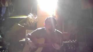 チャットモンチーのシャングリラのギター弾き語りです。 夏林一彰(なつ...