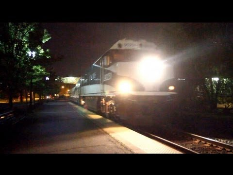 Amtrak Cascades arriving, and leaving the Salem, Oregon Station 11.6.11
