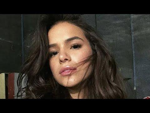 """Bruna Marquezine assume que fez plástica no nariz: """"Ficou mara mesmo"""""""