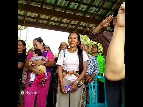 musik tradisional mengiringi upacara