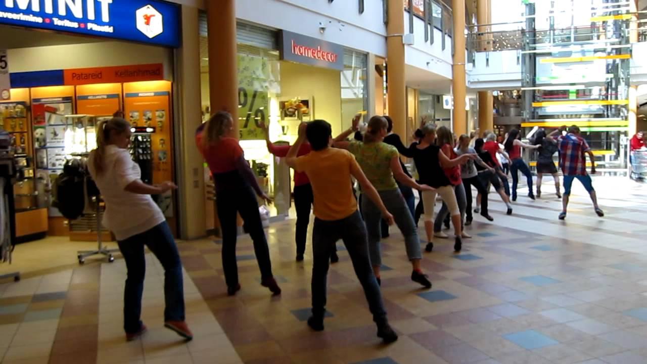 df0044c85c4 Zumba Flash Mob Ülemiste Keskuses 20.05.2012 -2 - YouTube