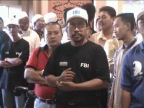 The Law of The Jungle - YB Anwar Ibrahim (Ketibaan di Airport KB) (1/8) - Malaysia News