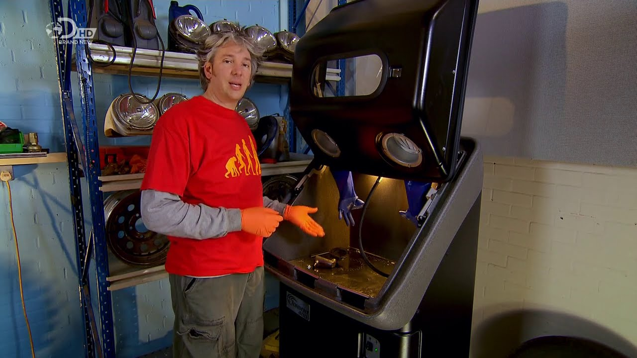 Torrent in Wheeler Dealers – Cleaning old car parts - YouTube
