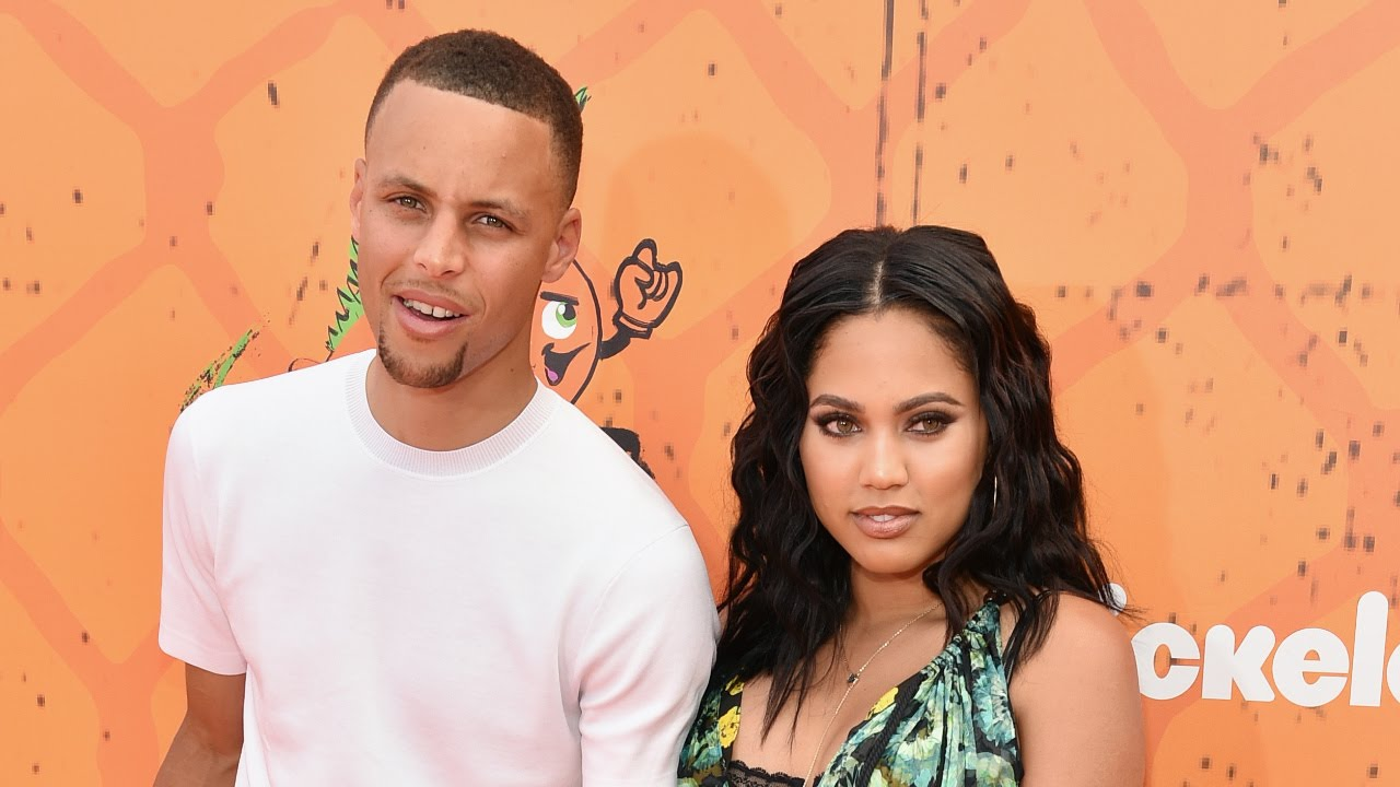 e1b67846bf81 Steph and Ayesha Curry Are Relationship Goals! See Their Sexy Beach Snaps