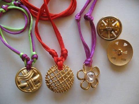 nuovi prodotti per gamma completa di specifiche sconto di vendita caldo How to Make a Button Necklace. Tutorial collane con bottoni