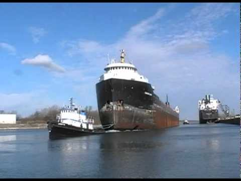 CANADIAN LEADER Under Tow, Below Welland Canal Lock 8