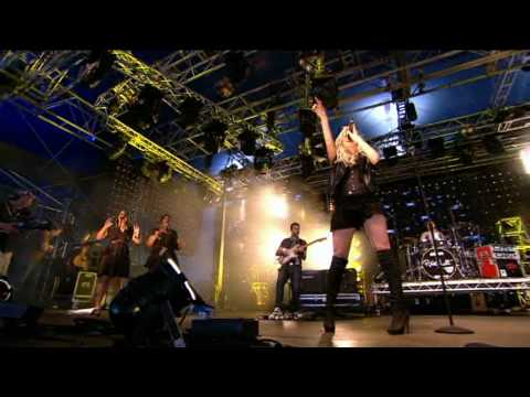 Pixie Lott - Boys And Girls (Live at Radio 1's Big Weekend)