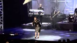 Tamela Mann @ 2013 Dove Awards (I Can Only Imagine)